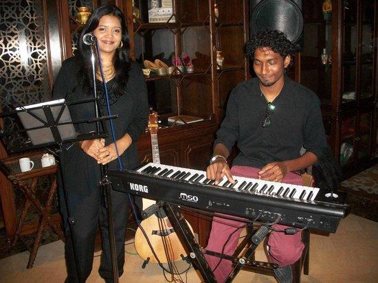 Hilton Chennai: Live Music in the Vintage Bank