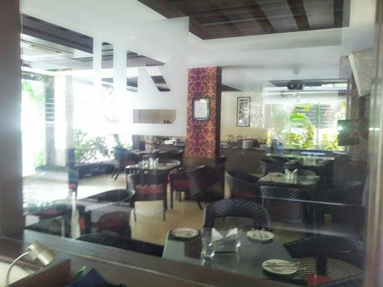 LivingRoom by Seasons: Restaurant