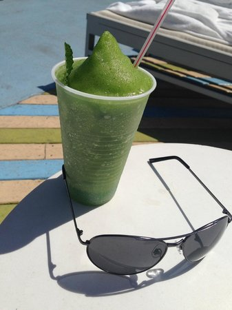 The Hotel of South Beach: Frozen mojito made by bartenders at rooftop bar
