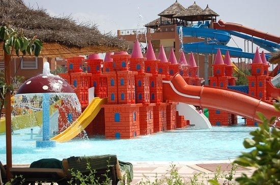 Aqua Fun Club Marrakech : les toboggans pour les enfants