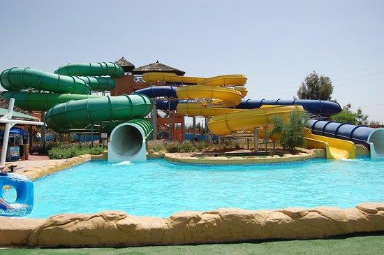 Aqua Fun Club Marrakech : less toboggans pour les grands