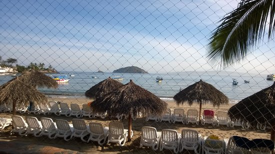 Decameron Los Cocos: View from restaurant