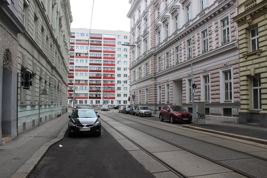 Hotel KUNSThof : View from the hotel down the street