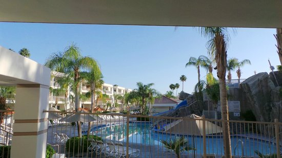 Palm Canyon Resort & Spa: View from Room
