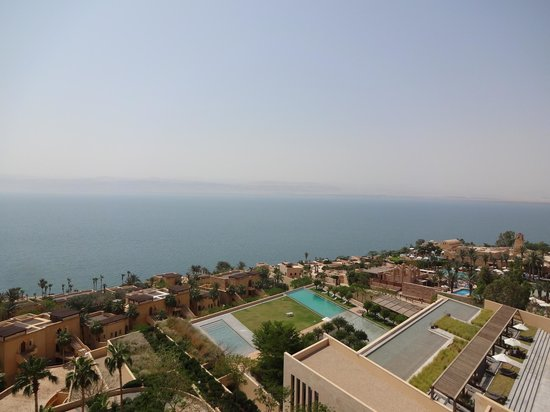 Kempinski Hotel Ishtar Dead Sea : Beautiful view of the Dead Sea from our room