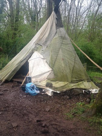Hay-on-Wye, UK: Dire.... The reality of the Tepee's
