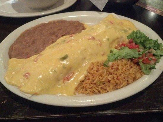 El Fenix Famous Mexican Restaurant : Fiesta Burrito