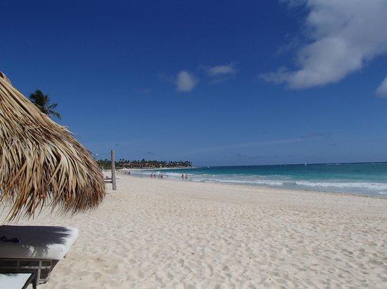 Paradisus Punta Cana Resort: Nice waitress @ Gabi bar