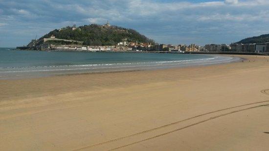 La Concha Beach : Preciosa playa urbana