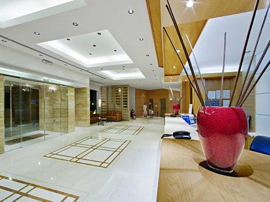 Athineon Hotel: Reception Lounge Area