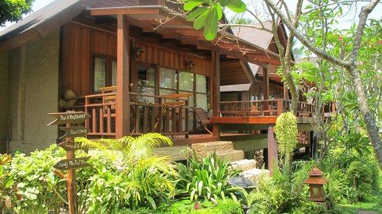 Green Papaya Resort: the room again