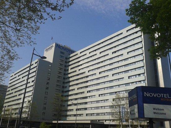 Novotel Amsterdam City: L'esterno dell'hotel