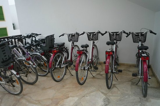 Kefalos Beach Tourist Village: Hotels bikes for rent