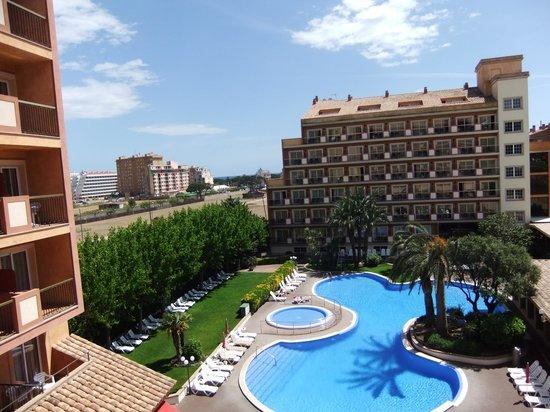 Luna Park Hotel : la piscina vista dall'alto