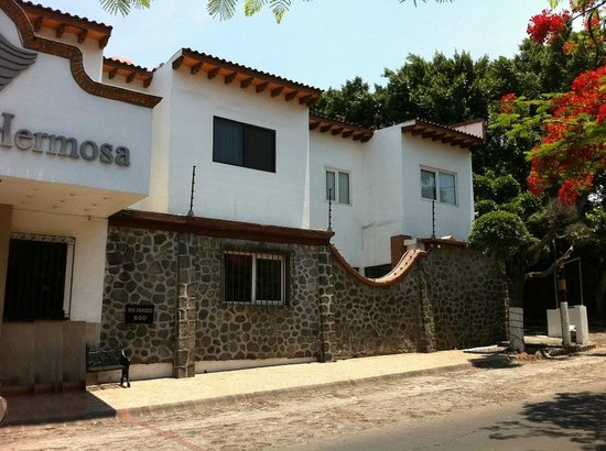 Hotel Vista Hermosa: Frente Hotel