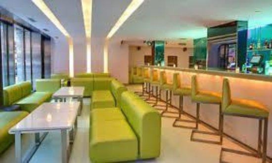 Shoreham: Lobby-Cafeteria