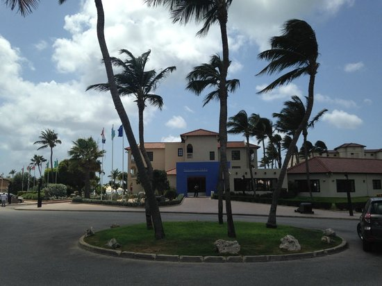 Bucuti & Tara Beach Resort Aruba: Front of the hotel