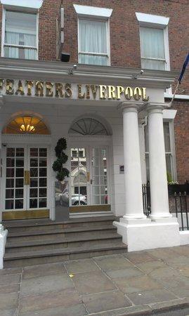 Best Western Hallmark Hotel Liverpool Feathers: outside