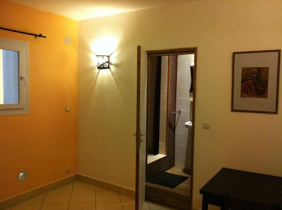 Hotel Niaouly: Chambre premier prix, hôtel Niaouly