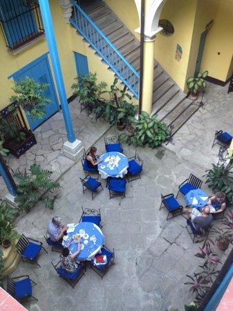 Hotel Beltran de Santa Cruz: Binnenplaats, ontmoetings-/ en ontbijtruimte