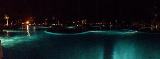 Grand Luxxe Riviera Maya: Mayan Palace pool at night