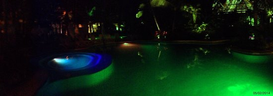 Grand Luxxe Riviera Maya: Grand Mayan pool at night