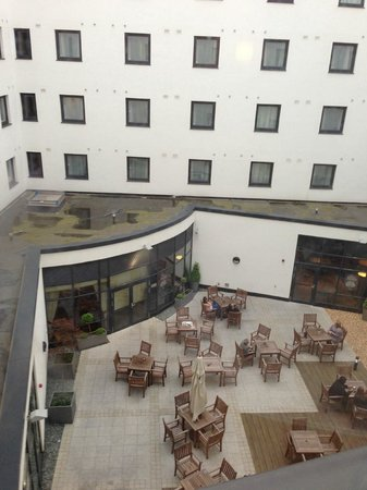 Premier Inn London Gatwick Airport (North Terminal) Hotel: View from our room - courtyard