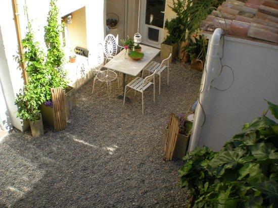 Marakasa B&b: Inner courtyard