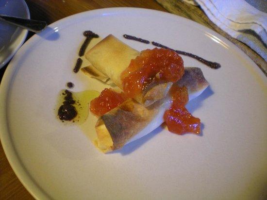Marakasa B&b: Filo pastry with goats cheese and tomato marmalade