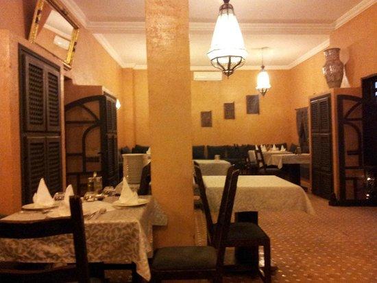 Riad Bouchedor: At dinner