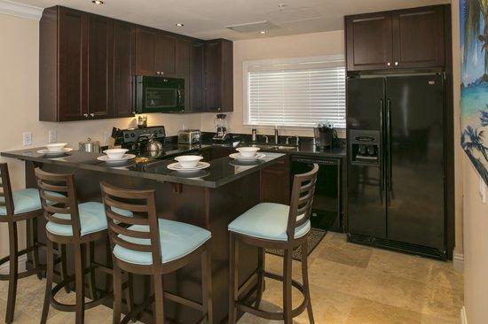 Grande Bay Resort: Club 1 Bedroom Kitchen