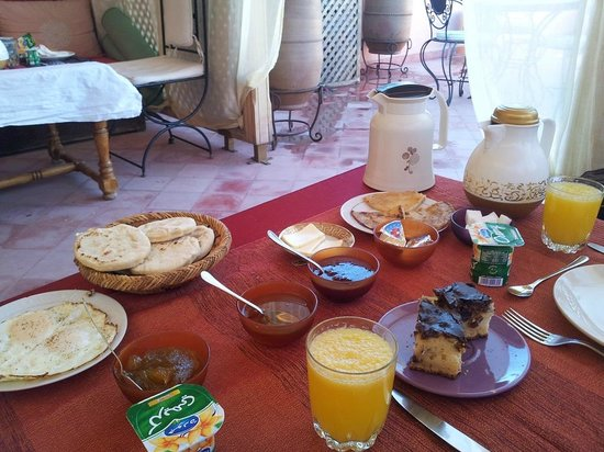Riad Princesse du Desert: Breakfast on the terrace