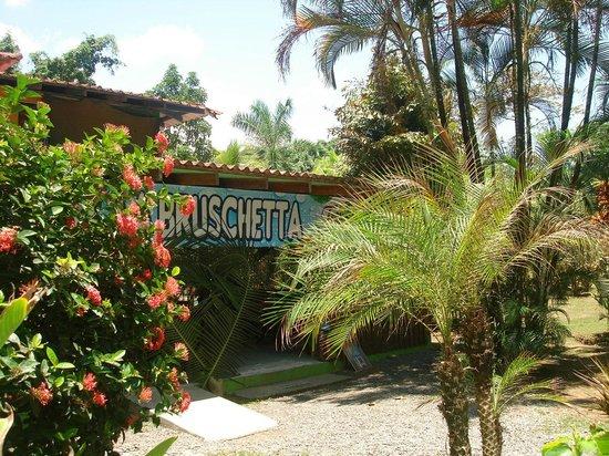Albergue La Piña B&B: La Bruschetta Restaurant in LaPiña Lodge