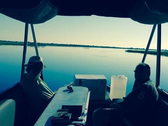 Chobe Safari Lodge : Sunset cruise on the Zambezi River