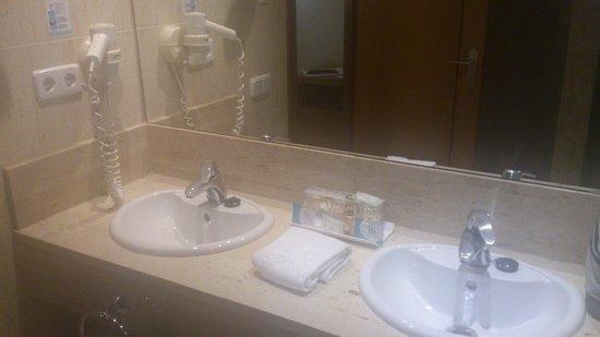 Hotel Hispania : salle de bain