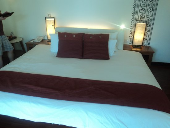 Centara Villas Samui: our bed