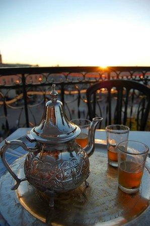 Taj'in Darna: Mint tea and the square