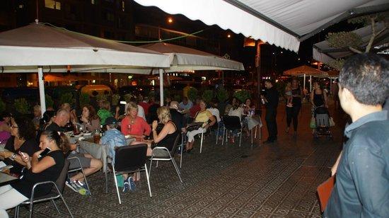 Hotel Auto Hogar: Gezelligheid op het terras