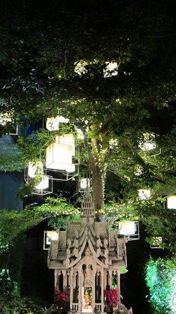 VIE Hotel Bangkok, MGallery by Sofitel: entrance