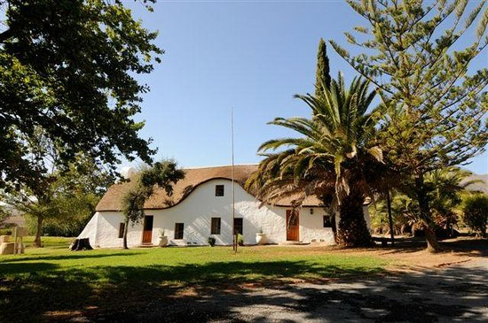 Rietspruit Country Cottage: Hoopoe's Haven and Swallow's Rest - Two Family Cottages