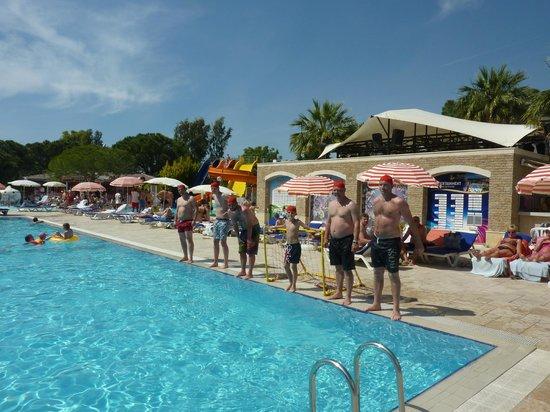 Batihan Beach Resort & Spa: *