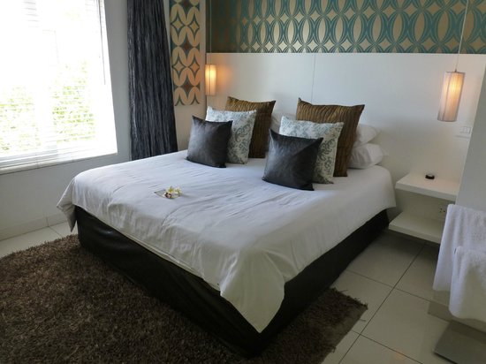Villa Zest Boutique Hotel: The bed in our room