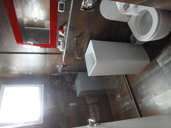 Hotel le Chat Noir: Salle de bain