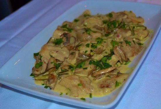 Mama Thira Tavern: Mushrooms sote with mustard souce