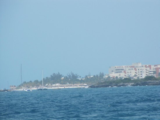 Dolphin Discovery Isla Mujeres: View of island from ferry