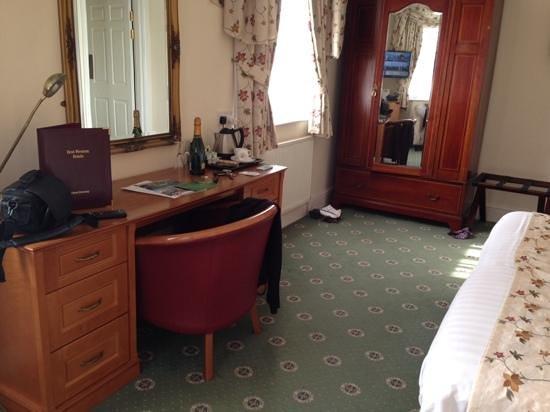 BEST WESTERN Lion Hotel : bedroom thorseby suite