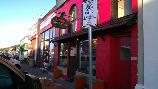 Red Raven Restaurant : Route 66 Street View of the Red Raven