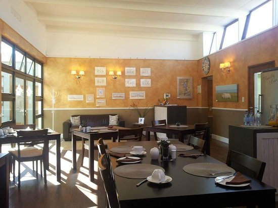 Namib Guesthouse: Reception and dining
