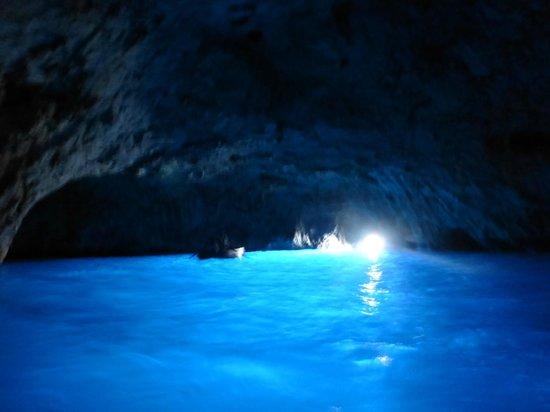 Blaue Grotte (Grotta Azzurra): 洞窟内