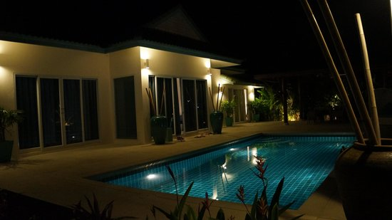 Shiva Samui: our villa by night